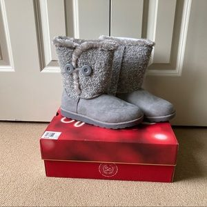 SO Cray on Gray Boots 8 NWT